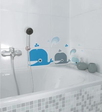 Vinilos infantiles antideslizantes ballenas azules para decoración baños de nicolasito.es
