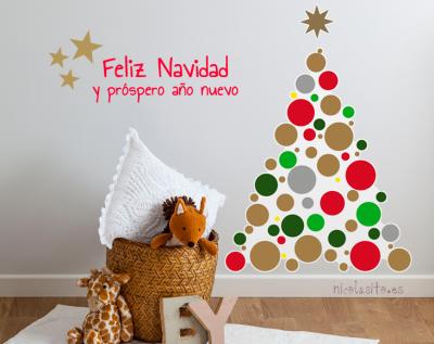 foto de feliz navidad con árbol de navidad y vinilos decorativos