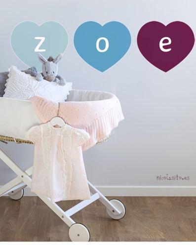 Vinilos de corazón personalizados infantiles con el nombre para decoración de cuarto de bebés. nicolasito.es