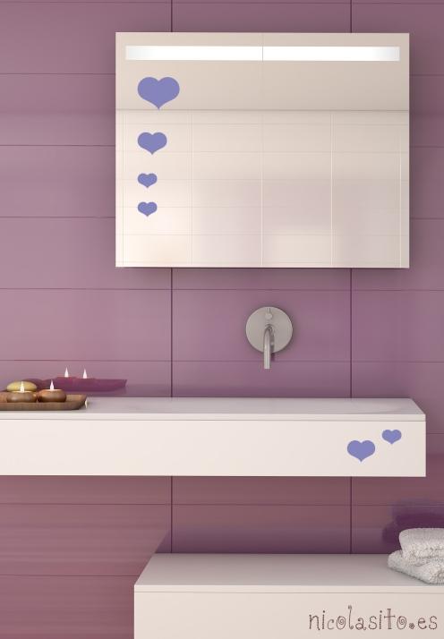 vinilos de corazones en el baño morado. vinilos decorativos nicolasito.es