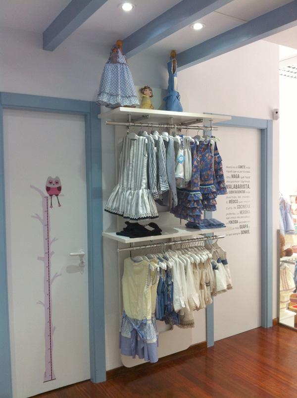 Vinilos infantiles para decorar una bonita tienda de ropa - Vinilos decorativos asturias ...